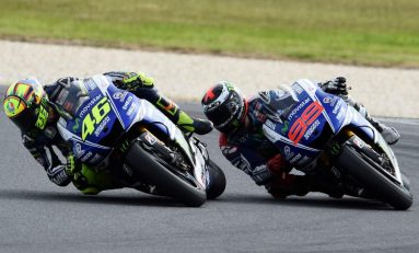 Yamaha Pernah Berniat Tendang Rossi Demi Lorenzo