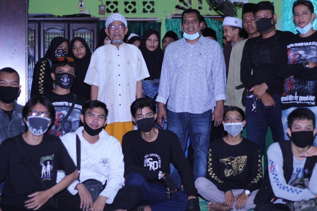 Komunitas Supermoto Indonesia (SMI) Batam Berbagi dengan Anak Panti Asuhan