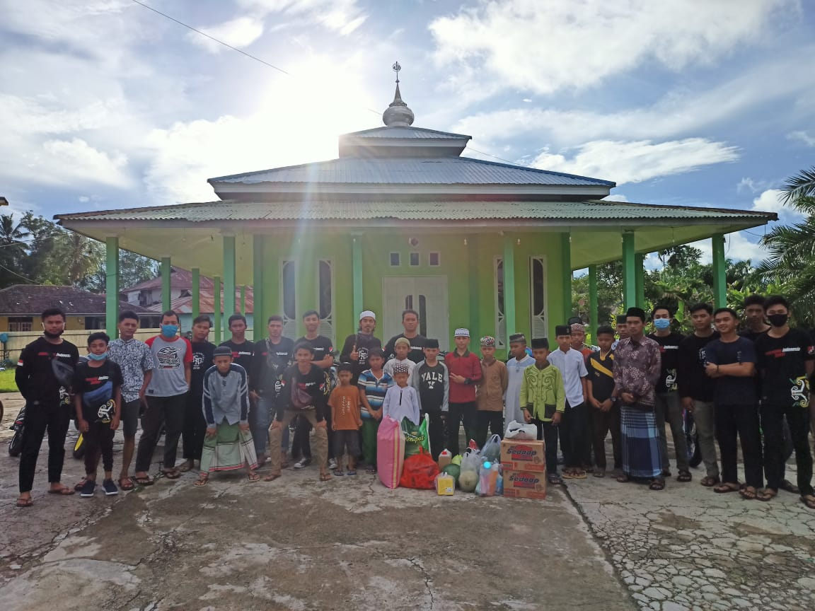 Komunitas Supermoto Indonesia (SMI) Paser Berbagi Kebahagiaan di Panti Asuhan