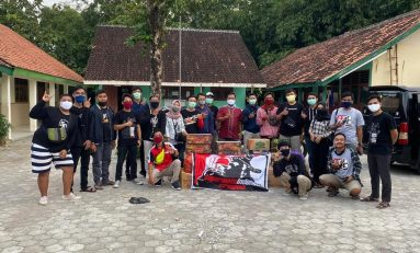 Komunitas Supermoto Indonesia (SMI) Sragen Gelar Baksos di Panti Asuhan