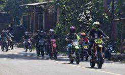 Supermoto Indonesia (SMI) Pandeglang Motoran Sambil Sedekah