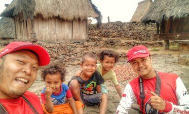 Angga dan Adnan Tinggalkan Jejak di Desa Adat Wologai, Flores