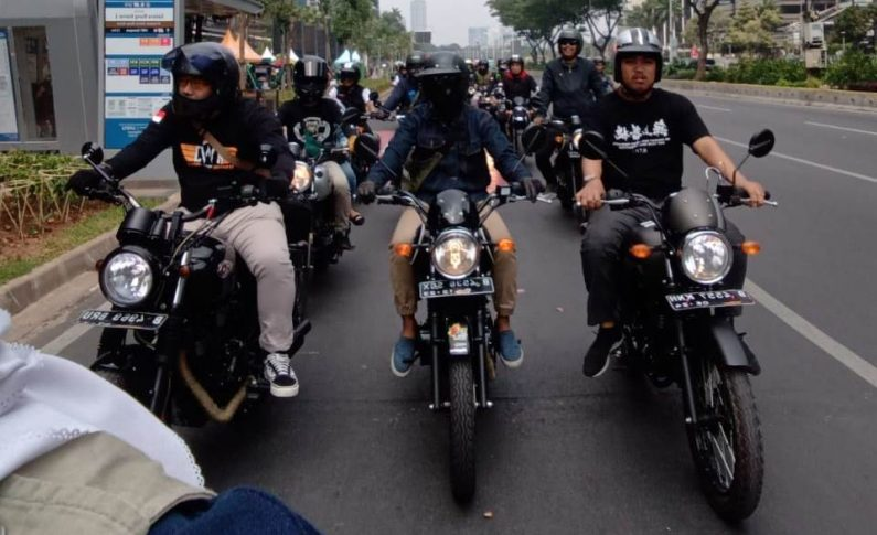 Kolaborasi Bikers Kawasaki W175 Indonesia dan My Bike My Pride Gelar City Touring