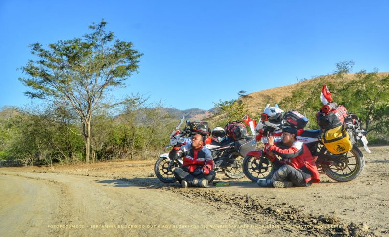 Akhir Perjalanan Touring Angga dan Adnan Geber Suzuki GSX150 Bandit ke Timor Leste