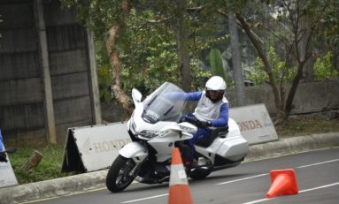 Wahana Berikan Edukasi Safety Riding ke Bikers Honda Gold Wing