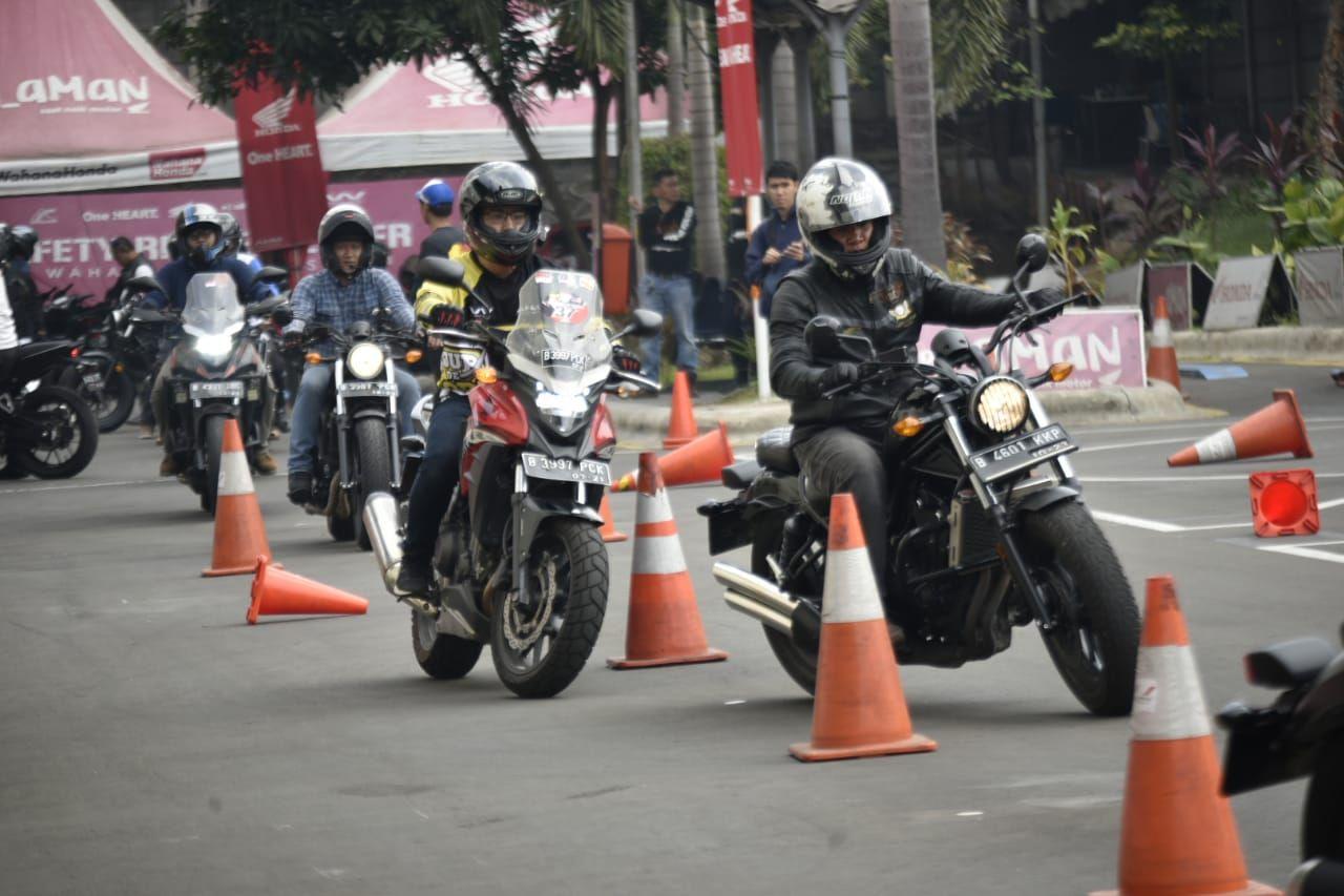 Agar Touring Kian Mantap, Puluhan Bikers Big Bike Honda Belajar Safety Riding