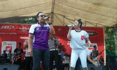 Dewi Perssik Goyang Kapolres Tangerang di FDR Day