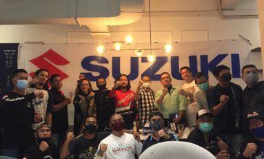 Bikers Suzuki Nobar MotoGP Sambil Bakti Sosial