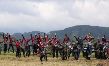 Kumpul Ontahood Moto Adventure (KOMA) Nikmati Serunya H1storide Begins di Bukittinggi Sambil Baksos