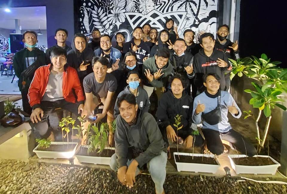 Kolaborasi Work Ride Coffee dan Sunmori Squad Gelar Night Ride