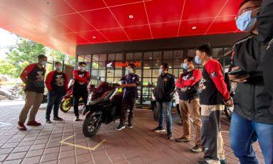 Nongkrong di MPM Riders Cafe Surabaya,  Servis Motor Jadi Nyaman