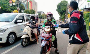 Sambut Ramadhan, Yamaha Lexi Community (YLC) Jakarta Bagikan Kurma dan Jus Bervitamin di Jalanan