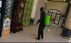 Solidaritas Baderhood Bali, Semprot Disinfektan di Area Masjid