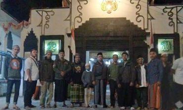 Wisata Religi Baderhood Magelang ke Makam Kyai Raden Santri