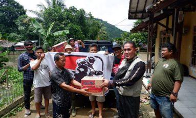 Bikers Supermoto Indonesia (SMI) Salurkan Bantuan Untuk Korban Banjir Lebak, Banten