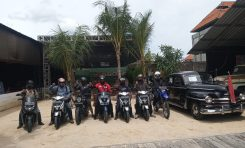 Bikers Yamaha Kunjungi Kebon Vintage Cars, Destinasi Wisata Bagi Para Pecinta Mobil Lawas