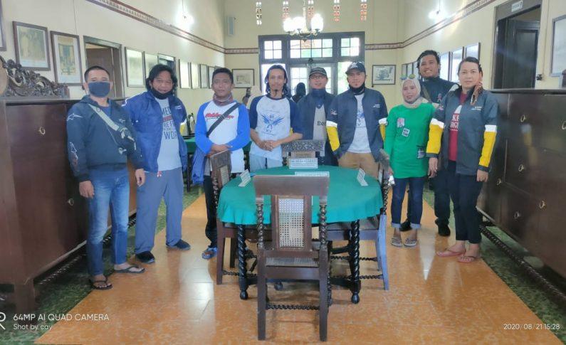 Suzuki 2 Wheels (S2W) Community Tilik Sejarah Indonesia ke Museum Linggarjati