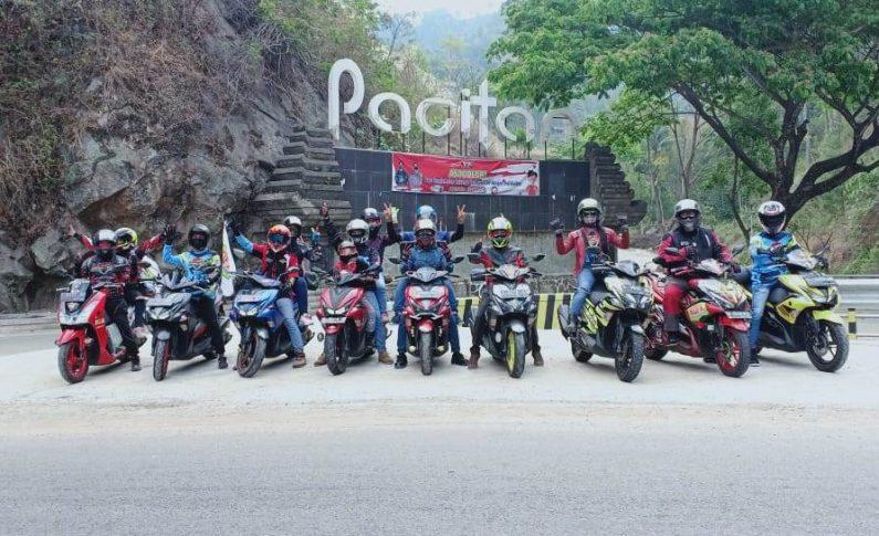 HUT ke-2 ARCI Mojokerto Dirayakan dengan Touring ke Pantai Klayar
