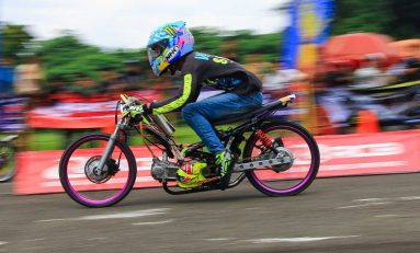 Gelaran Balap Drag Bike di FDR Day Tangerang, Juara Umum Dikasih Motor