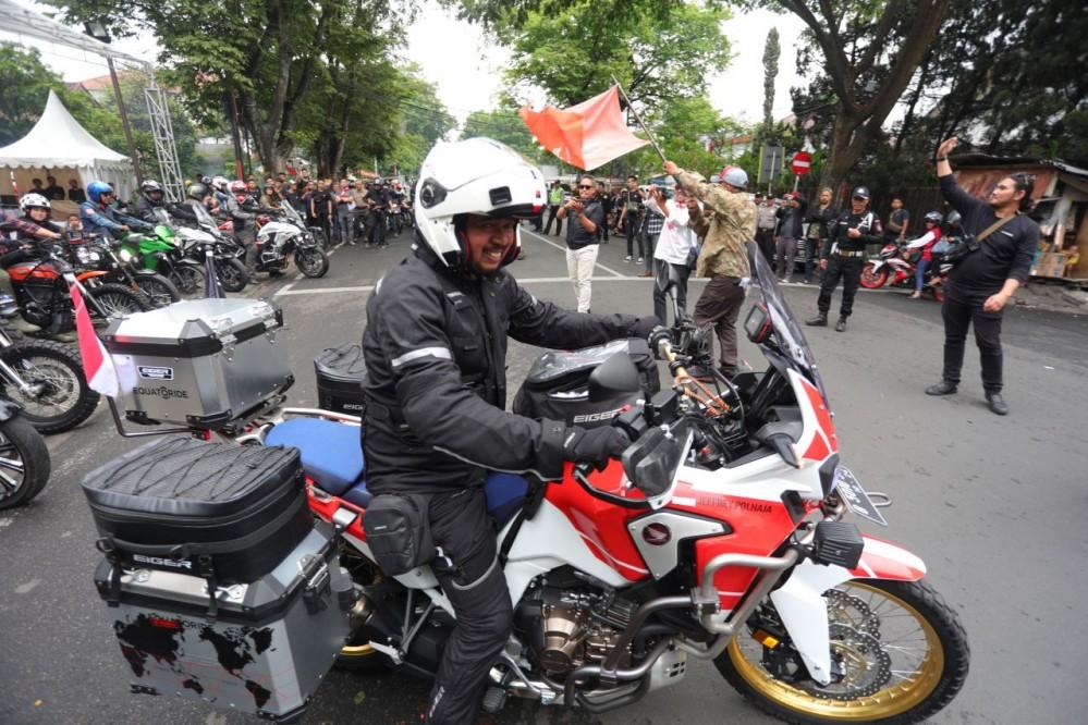 Dari Bandung, Kang JJ Memulai Perjalanan Ekspedisi Equatoride, Lintasi 25 Negara