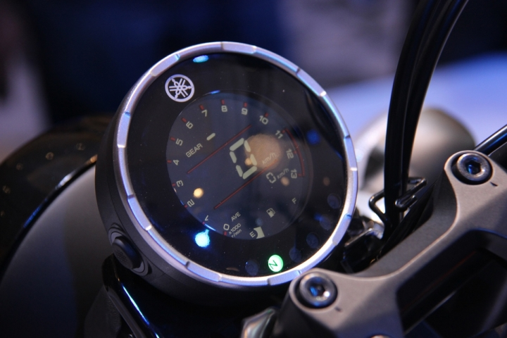 Yamaha All New XSR 155 dengan Full LCD Digital Speedometer bergaya retro