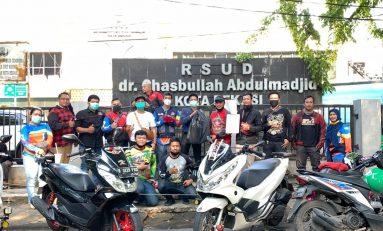 Honda PCX Club Indonesia (HPCI) Bekasi Bagikan Makanan Gratis ke Petugas Medis