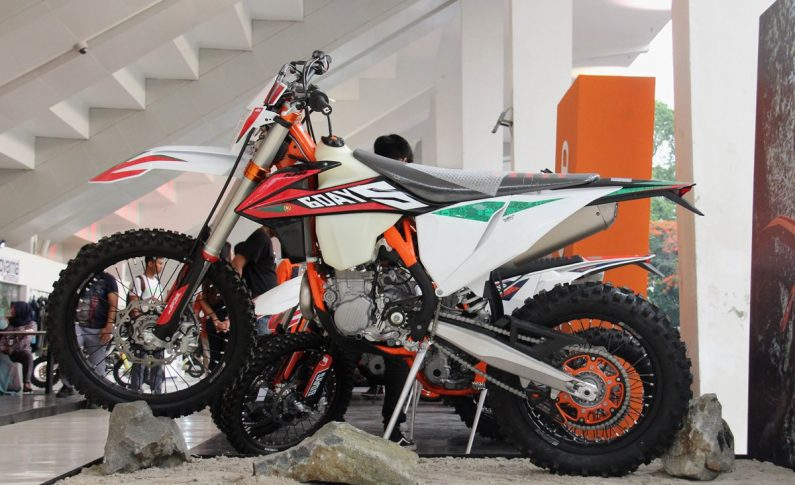 KTM 450 EXC-F Six Days Hanya 10 Unit di Indonesia